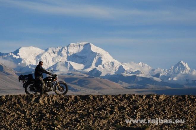 Tibetem na motorce