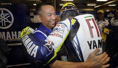 Furusawa: Rossi má pøednost vùèi Lorenzovi