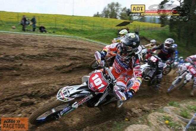 M ÈR a hobby závody motocyklù v cross country Jinín