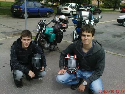 Nejtìžší bylo všechno poøádnì pøipavoukovat na motorky...