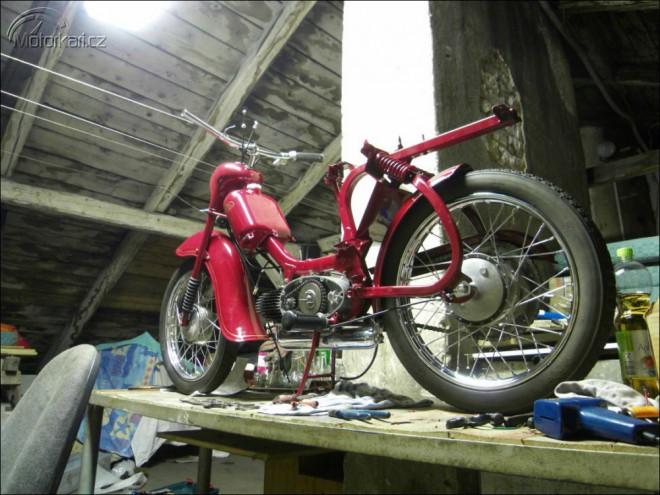 Renovace JAWA 555