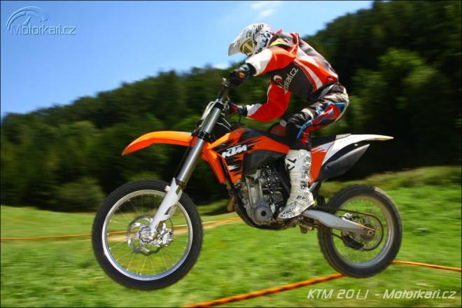KTM pøedvedla motokrosové jedenáctky