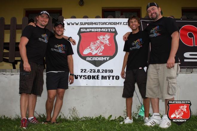 První roèník Supermoto Academy