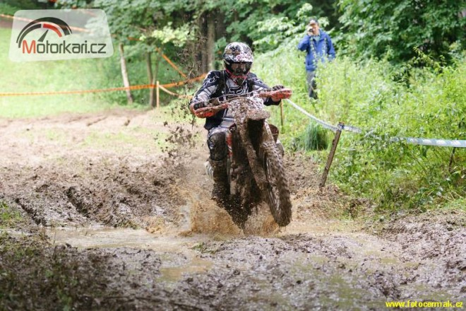 Pozv�nka na III. d�l seri�lu Cross Country