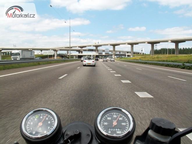 Na jednadvacet let staré motorce do Holandska