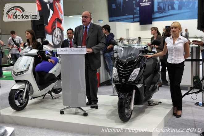 Peugeot Kisbee a novinky z výstavy Intermot