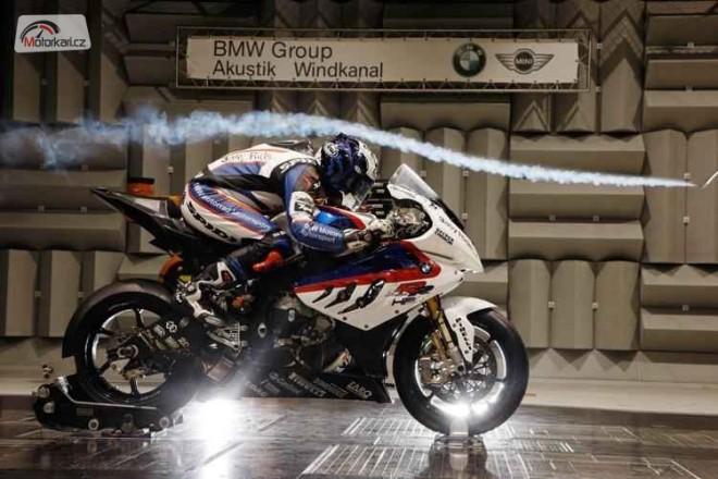 BMW v aerodynamickém tunelu