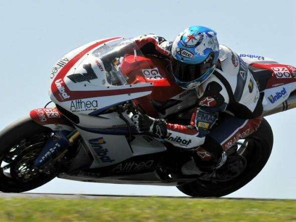 Kdo a s jakou podporou od Ducati v roce 2011