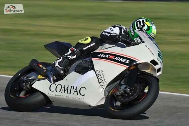 Moto2-2011: 15 jezdc� se �as�m Suter