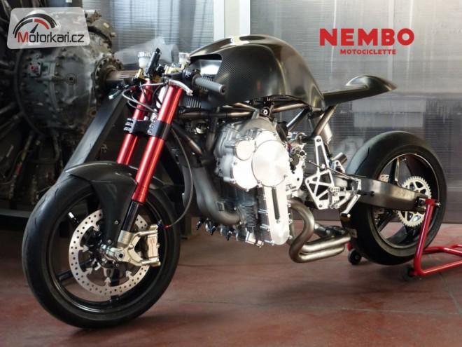 Nembo Super 32 - obrácený motor