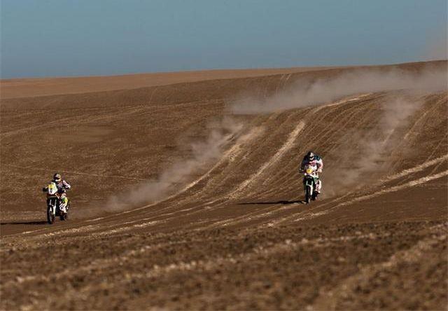 Dakar 7. etapa: Lopez vyhrál, souboj Coma-Despres stále tìsnìjší