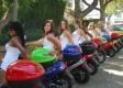 Holky a motorky: Začátky aneb jak si zachovat orgány i rozum