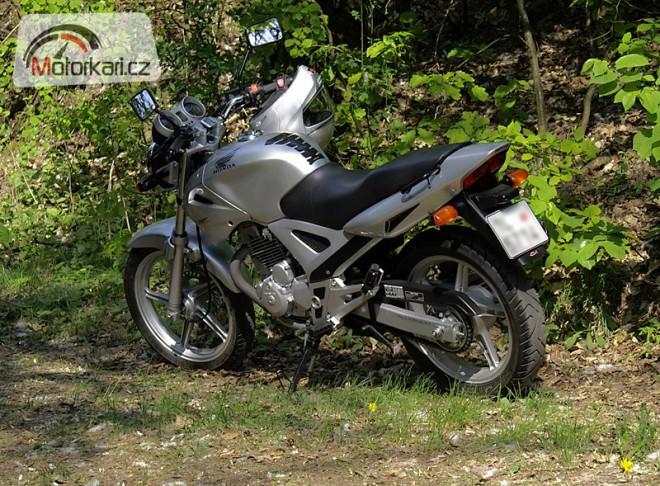 Honda CBF 250 v praxi aneb dvaapùlou do Chorvatska