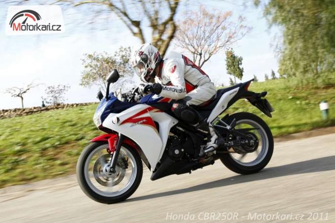 Honda CBR125R a 250R aneb první rande ve Španìlsku
