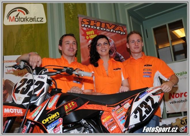 V Praze se p�edstavil motokrosov� t�m Orion Litomy�l - RS Petrol