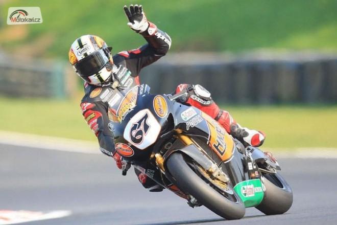 �vod britsk�ch superbik� v Brands Hatch