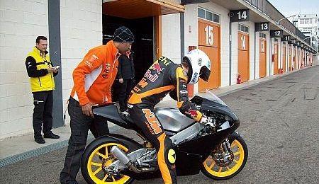 Moto3 v roce 2012 až ètyøicet jezdcù