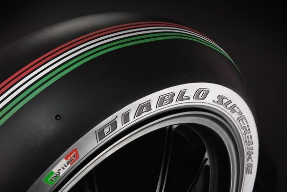 Pirelli pøedstavilo novou pneumatiku Diablo Superbike