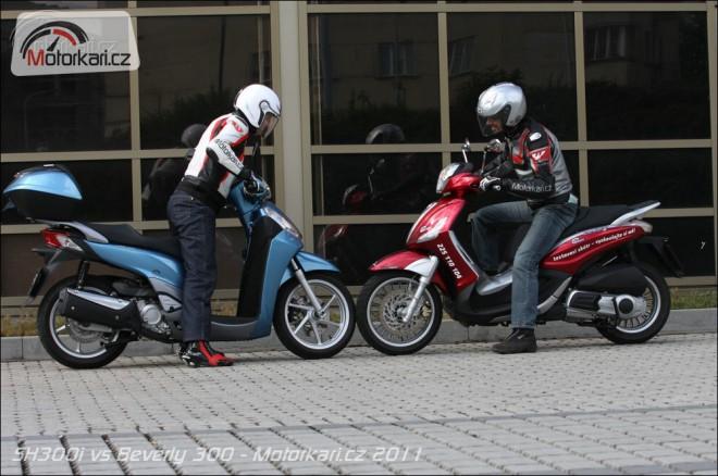 Honda SH300i vs Piaggio Beverly 300