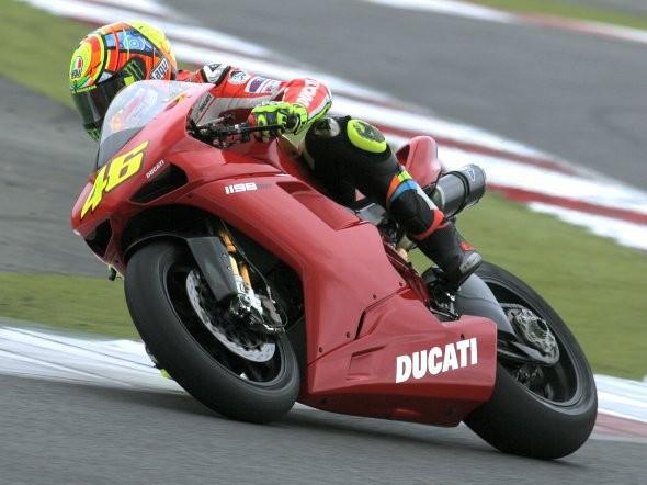 Rossi testoval v Silverstone