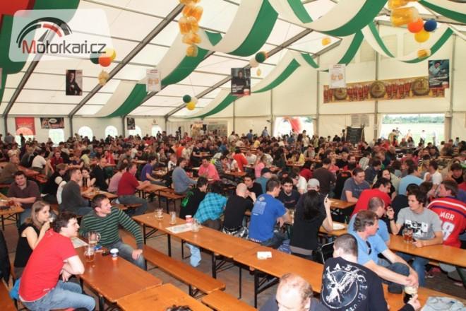 Èeský pivní festival je v plném proudu