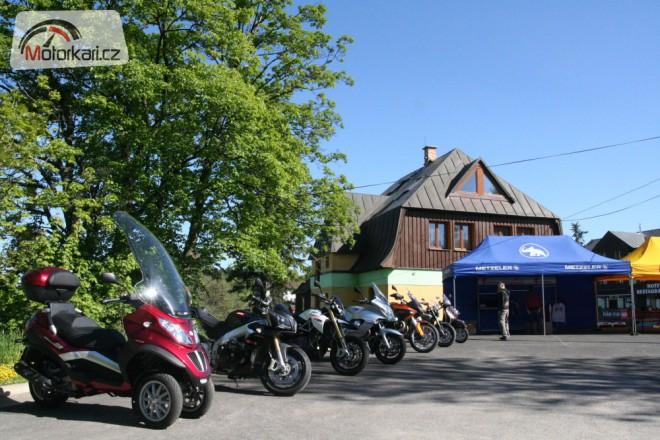 Aprilia & Moto Guzzi Test Rides 2011