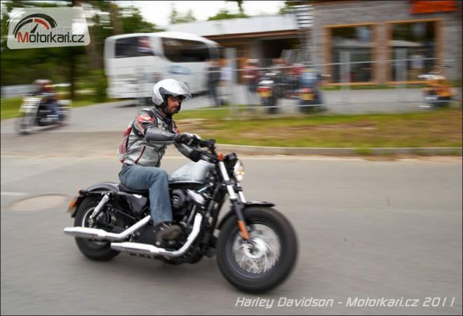 S Harley-Davidsony z Plzn� na D�b�n