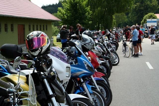 600 motorkáøù na Nežij vteøinou 2011