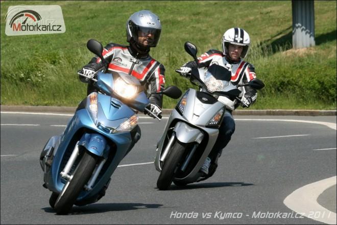 Kymco People GT300i vs Honda SH300i