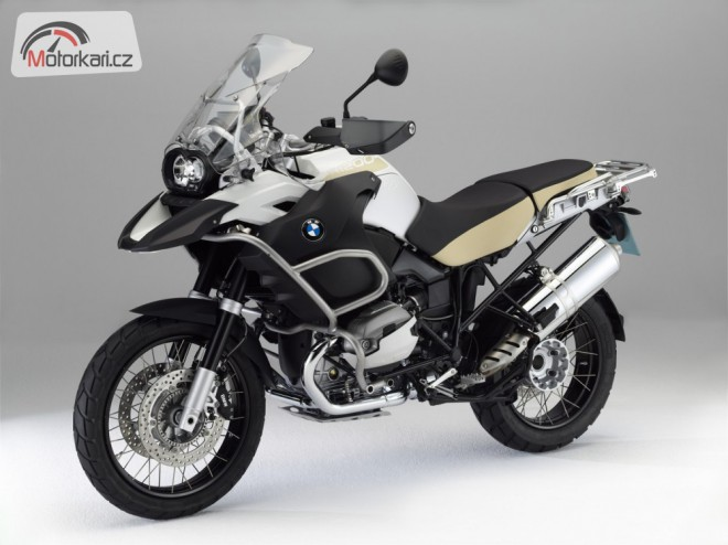 BMW pøedstavuje nové barvy modelù pro rok 2012