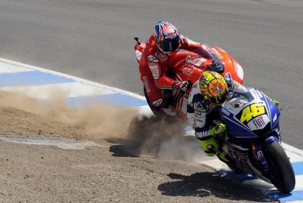 """Rossi: """"Stoner je mladý, odvážný, rychlý a talentovaný"""""""