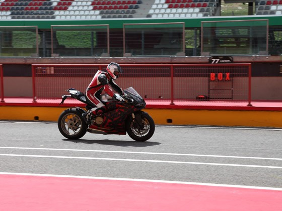 Ducati supersport 2012 - SuperQuadro nebo Panigale?
