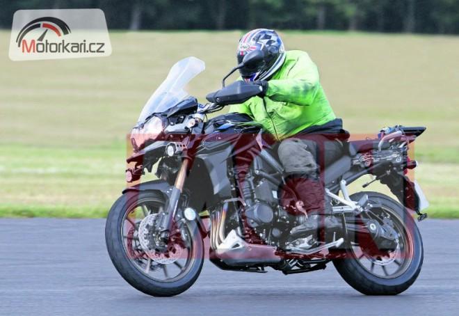 Triumph Adventurer 1200 (spy photo)