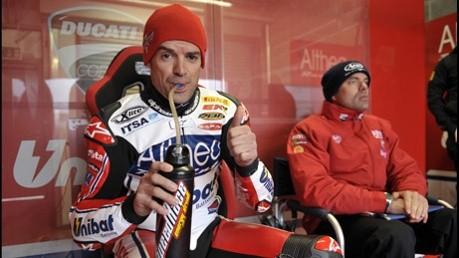 Radio Paddock: Checovo setrvání u Ducati
