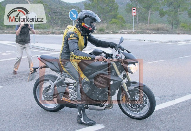 Spy photo - Triumph Street Triple (2013)