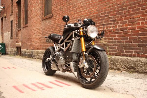 Titanový rám pro Ducati Monster