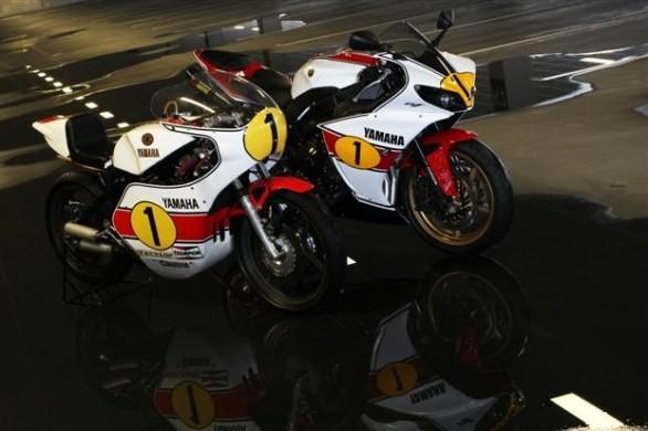 """Yamaha R1 """"Ago"""" Special Edition jde do dražby"""