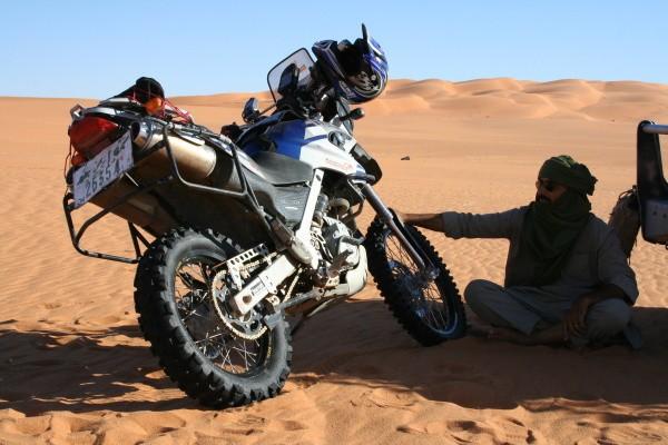 Startuje nízkorozpoètový Dakar, nechybí Èeši
