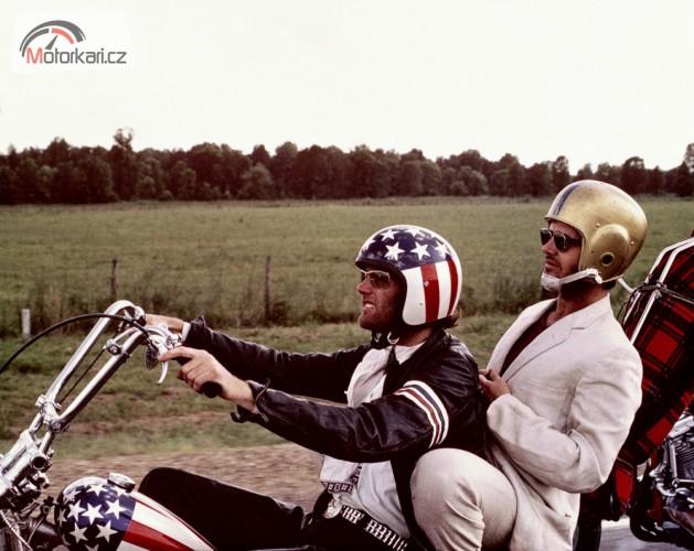 Výbava motorkáøe: jak vybrat pøilbu