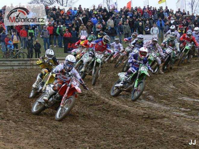 Ve  Vranovì zaèal motokrosový šampionát