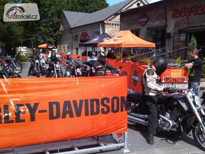 Harley-Davidson:  Demo Truck Tour 2012