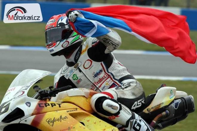 Superbiky pøed Doningtonem