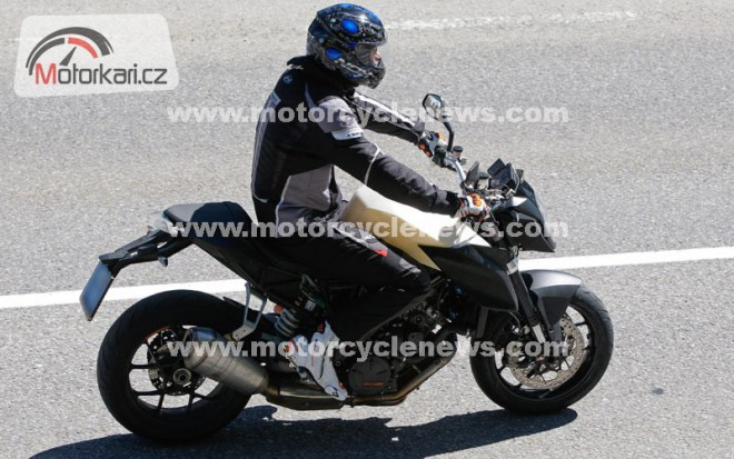 Spy photos: KTM Superduke 1290 (MY2013)