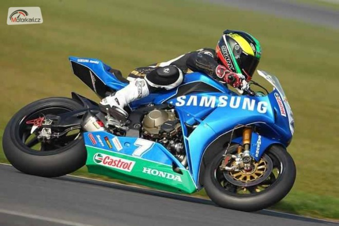Snetterton: Hill a M. Laverty
