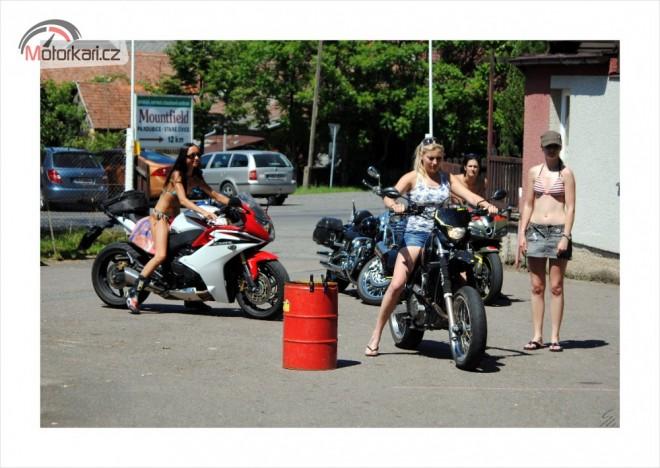 Motoslet žen je již zase za námi!