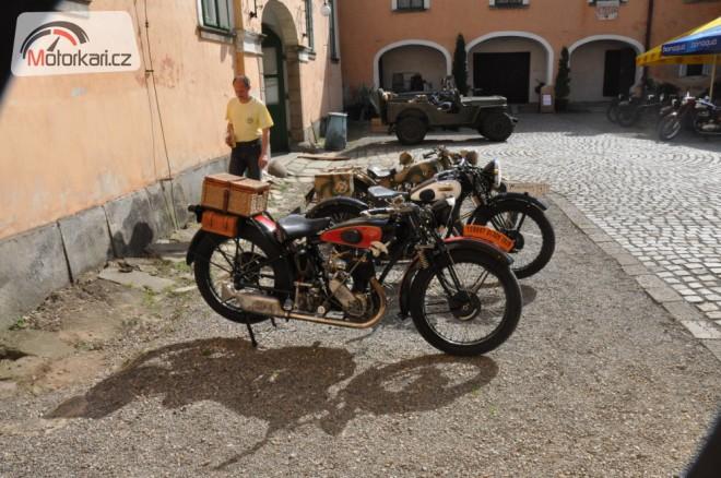 Výstava historických motocyklù v Úsobí