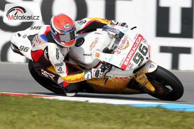 Èervená vlajka pøerušila první závod superbikù