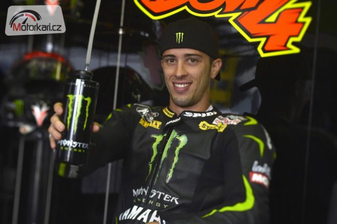Andrea Dovizioso podepsal s Ducati