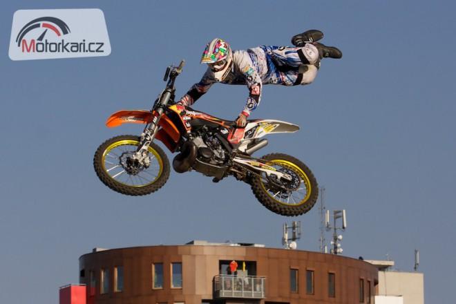 Adrenalin a vášnivý freestyle motocross v Modøanech