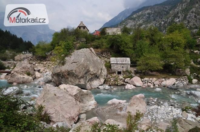 Zelenáèi v Albánii